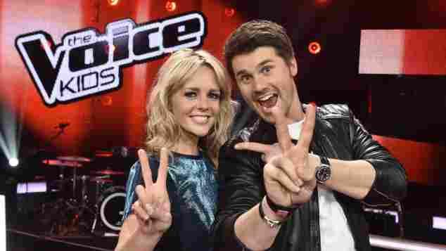 """Chantal Janzen und Thore SchölemChantal Janzen und Thore Schölermann sind die Moderatoren bei """"The Voice Kids"""""""