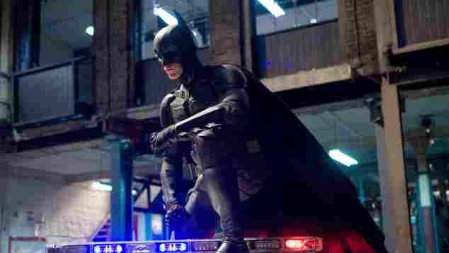 """Christian Bale als """"Batman"""" in einer Szene von """"The Dark Kight Rises"""""""