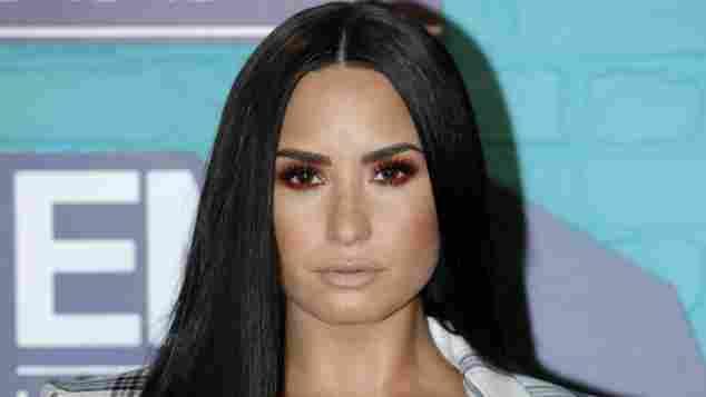Demi Lovato MTV EMAs sexy Outfit