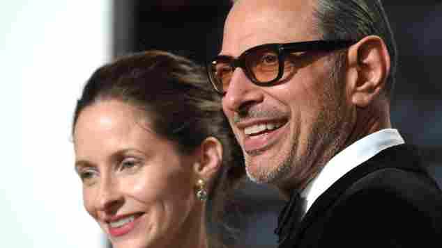 Emilie Livingston und Jeff Goldblum bei der Vanity Fair Oscar Party 2017