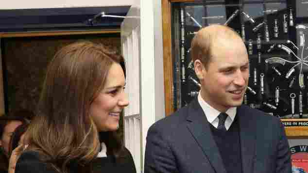 Herzogin Kate zeigt zum ersten Mal ihren Babybauch Prinz William