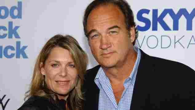 James Belushi und seine Ehefrau Jennifer Sloan