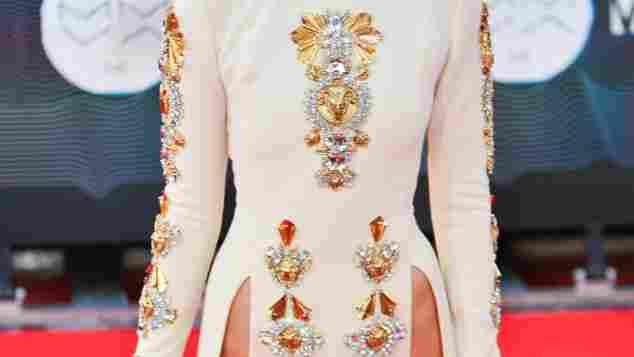 kendall Jenner trägt kein Höschen unter ihrem Kleid