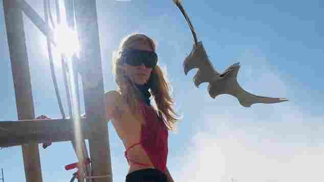 Larissa Marolt beim Buring-Man-Festival in der Wüste des US-Bundesstaates Nevada