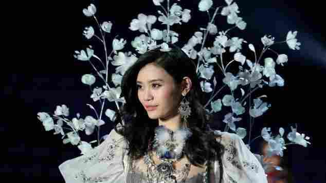 Ming Xi Victoria's Secret Fashion Show