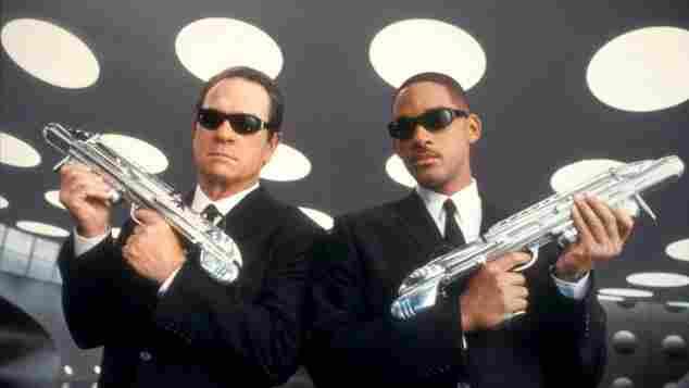 "Tommy Lee Jones und Will Smith in ""Men in Black 2"""