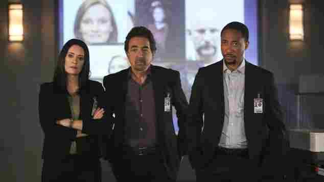 "Paget Brewster, Joe Mantegna und Damon Gupton in ""Criminal Minds"""