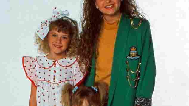 """Candace Cameron Bure, Mary Kate Olsen und Jodie Sweetin spielten die drei jungen Töchter in """"Full House"""" 1988"""