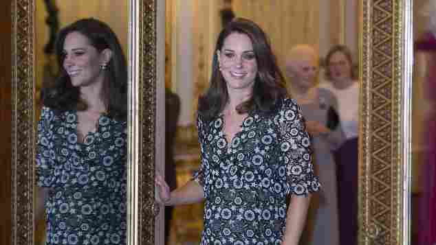 Herzogin Kate Babybauch Kleid