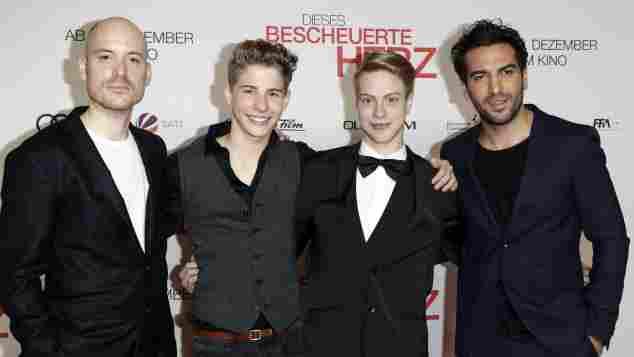 """Lars Amend, Philip Noah Schwarz, Daniel Meyer und Elyas M'Barek bei """"Dieses bescheuerte Herz""""-Premiere"""