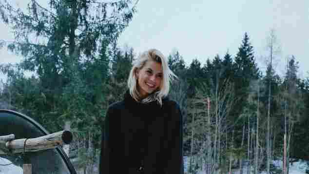 Lena Gercke ohne Hose Schnee Österreich Bild heiß