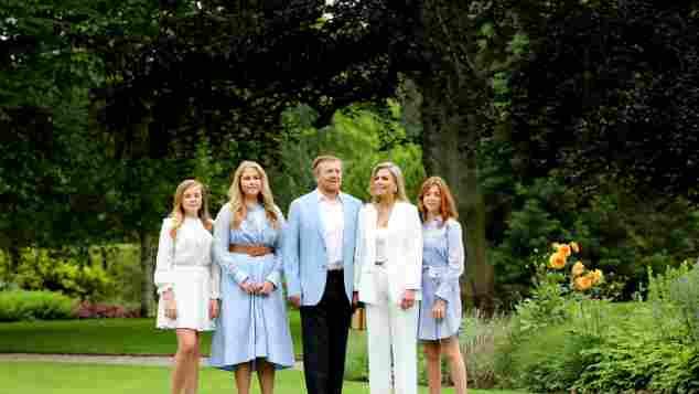 Prinzessin Ariane, Prinzessin Amalia, König Willem-Alexander, Königin Máxima und Prinzessin Alexia