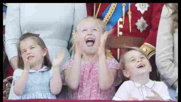 Prinzessin Charlotte, Prinzessin Savannah und Prinz George haben viel Spaß bei der Geburtstagsfeier der Queen
