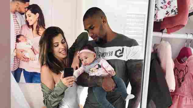 Sarah Harrison, Mia Rose und Dominic Harrison geben eine zuckersüße Familie ab