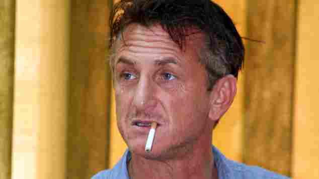 Sean Penn beim Rauchen