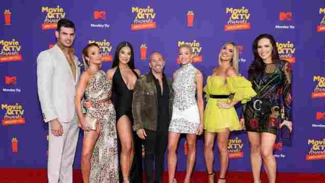 "Der ""Selling Sunset""-Cast: Romain Bonnet, Mary Fitzgerald, Amanza Smith, Jason Oppenheim, Heather Rae Young, Davina Potratz und Chrishell Stause bei den MTV Awards 2021"