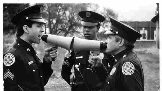 """Steve Guttenberg, Michael Winslow und G.W. Bailey in """"Police Academy"""""""