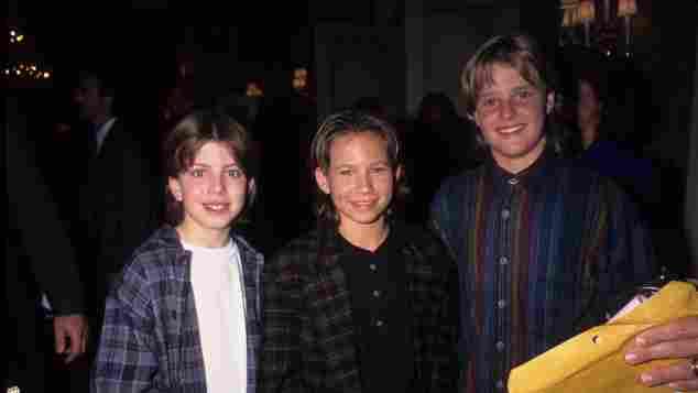"""Taran Noah Smith, Jonathan Taylor Thomas und Zachery Ty Bryan bei einer Pressetour für """"Hör mal, wer da hämmert"""" 1995"""