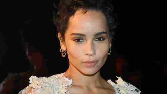Zoe Kravitz ohne BH, Paris Fashion Week