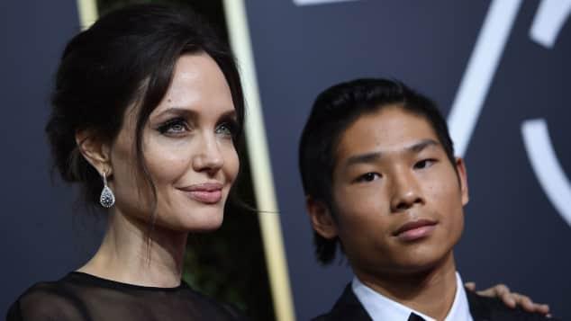 """Angelina Jolie und ihr Sohn Pax bei den 75. Golden Globes in Los Angeles 2018, """"Time's-up""""-Bewegung"""