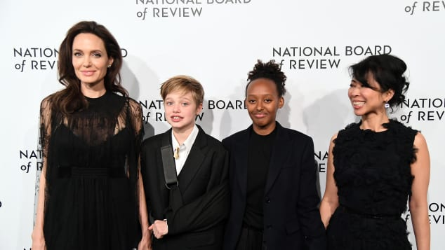 Angelina Jolie, Shiloh Jolie-Pitt, Zahara Jolie-Pitt und Loung Ung bei der National Board of Review Gala in New York