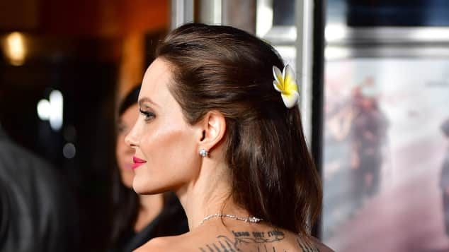 Angelina Jolie steht auf großflächige Tattoos