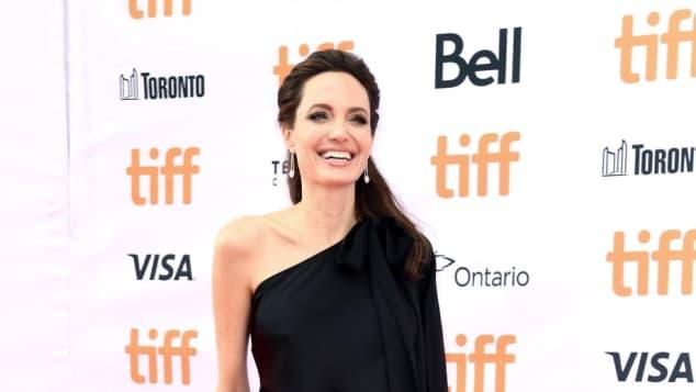 Angelina Jolie zeigt sich super sexy auf dem roten Teppich