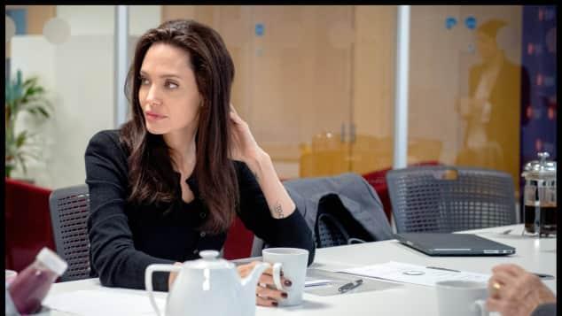 Angelina Jolie London England mit Maddox sah beim Treffen mit der UNHCR einfach umwerfend aus