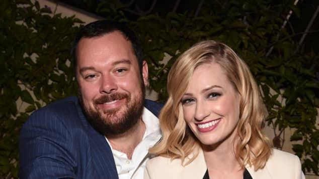 Beth Behrs und Michael Gladis sind seit 2016 verlobt