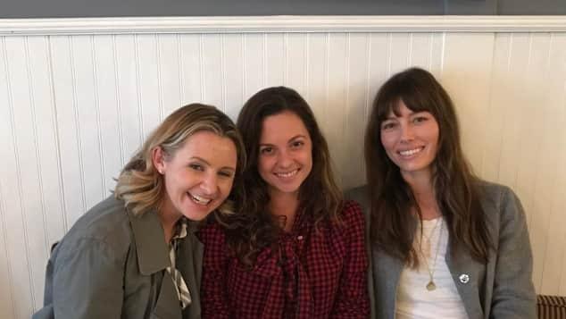"""Beverley Mitchell, Mackenzie Rosman und Jessica Biel, """"Eine himmlische Familie"""""""