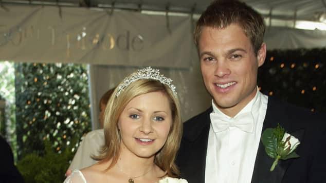 Beverley Mitchell und George Stults als Braut und Bräutigam