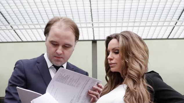 Burkhard Benecken und Gina-Lisa Lohfink im Gerichtssaal