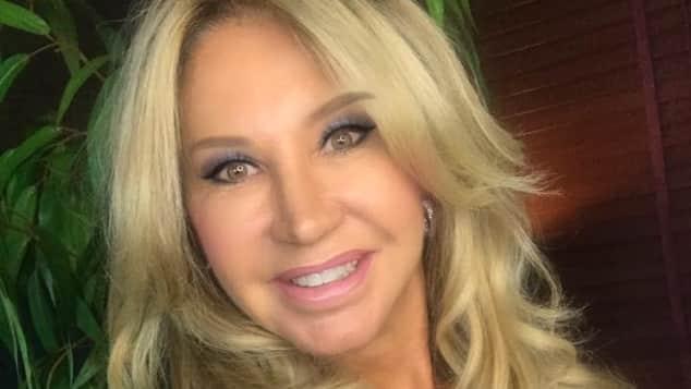 Carmen Geiss postete dieses Foto mit der Augenbraue über ihren Haaren