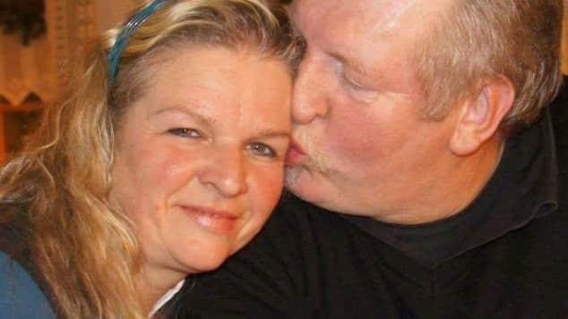 Carmen Hanken ist von dem Interesse an ihrem Mann Tamme Hanken total berührt