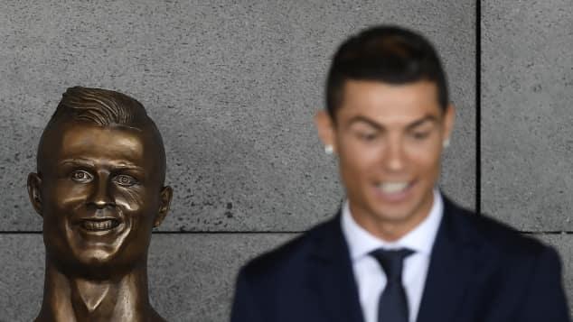 Cristiano Ronaldo und seine Büste