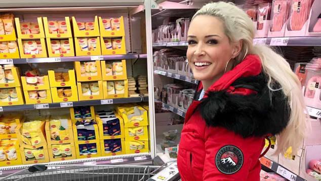 Daniela Katzenberger beim Einkaufen