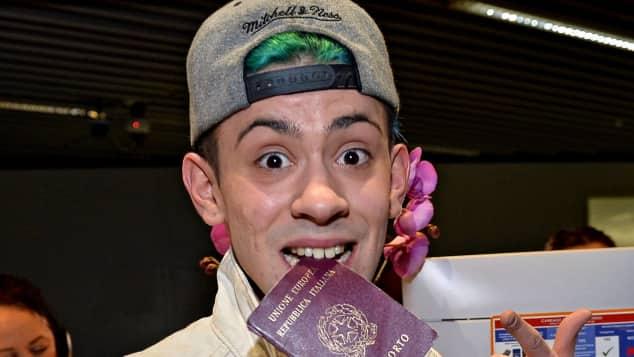 Daniele Negroni beim Flughafen vor der Abreise ins Dschungelcamp nach Australien, RTL, Ich bin ein Star - Holt mich hier raus!, DSDS
