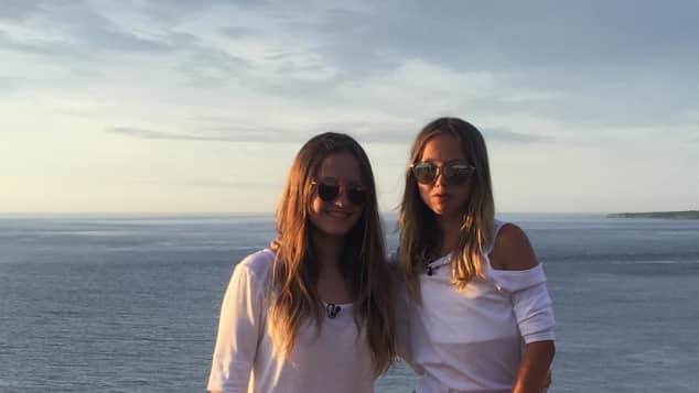 Davina und Shania Geiss posieren auf Instagram