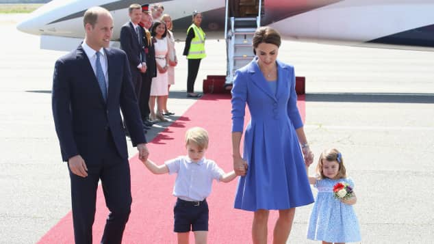 Prince William, Prince George, Duchess Catherine and Princess Charlotte landing in Berlin