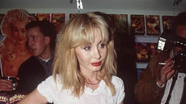 Dolly Buster spielte in Erotikfilmen mit