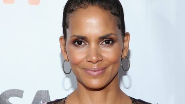 Halle Berry mit Mega-Dekolleté beim 42. Toronto International Film Festival