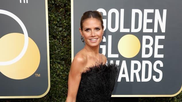 Heidi Klum bei den Golden Globes 2018 im schwarzen Kleid