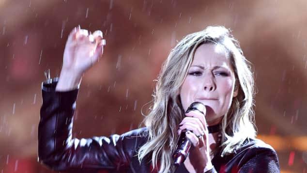 """Helene Fischer performt trotz Regen beim """"Countdown für Kiew"""""""