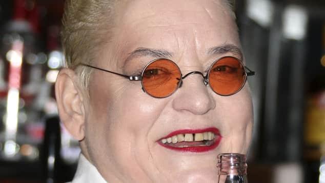 Hella von Sinnen trägt gern ausgefallene Brillen.