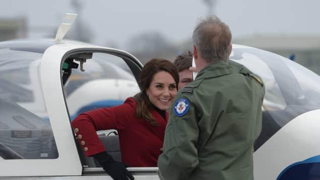 Herzogin Kate verbrachte ihren Valentinstag bei den RAF Air Cadets