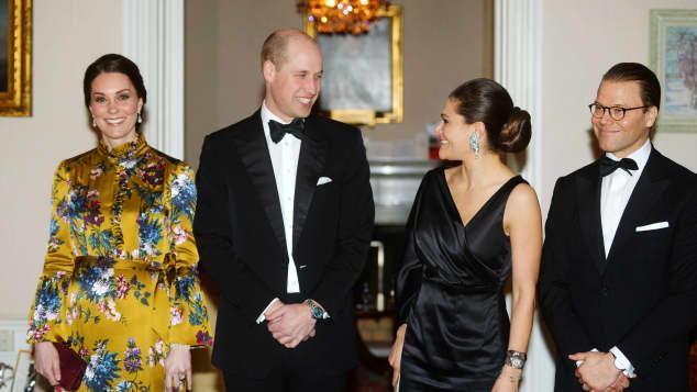 Herzogin Kate, Prinz William, Prinzessin Victoria und Prinz Daniel beim Dinner in der englischen Botschaft