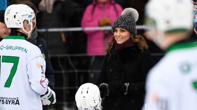 Herzogin Kate beim Bandy-Hockey in Stockholm, britische Royals, Kate Middleton, offizielle Skandinavien-Tour