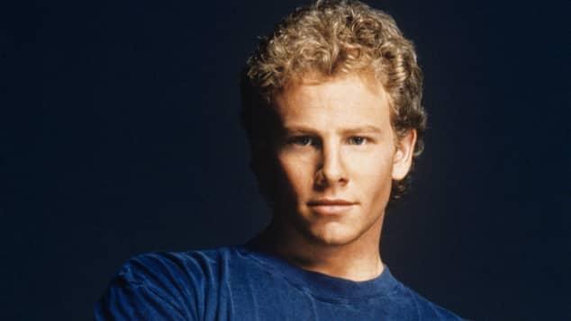"""""""Sharknado""""-Star Ian Ziering bei einem Fototermin für """"Beverly Hills, 90210"""" 1992"""
