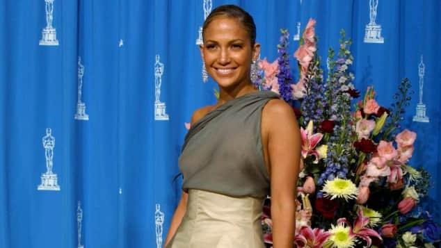 Mit diesem Outfit schockte die Schauspielerin im Jahr 2004 bei den Oscars Roter Teppich Award Preisverleihung schlimmste Outfits