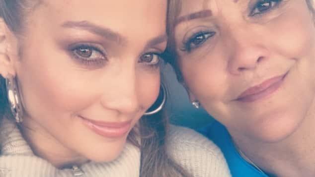 Jennifer Lopez und ihre Mutter sehen sich zum Verwechseln ähnlich